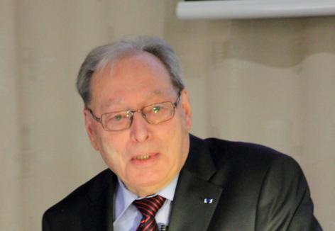 Kernfysicus Maurice Dorikens (1936-2017) was directeur van het Museum voor de Geschiedenis van de Wetenschappen en kreeg in 1998 de Sarton Medaille (© Sascha Gowy, collectie Beeldbank UGent)