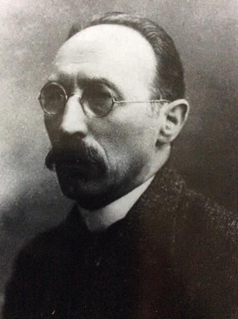 Josué De Decker (1879-1953) voer in activistische vaarwateren en was als dusdanig betrokken bij de oprichting van de Vlaamse Hogeschool tijdens WO I, waar hij ook decaan zou worden (foto uit Land Van Nevele,1992).