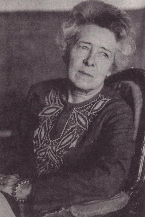 Suzanne Lilar (1902-1992) maakte faam als essayiste, roman- en toneelschrijfster en toonde zich in tijden van vrouwenemancipatie een pragmatische feministe (foto Letterenhuis Antwerpen)