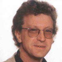De atheïstisch humanistische filosoof Koen Raes (1954-2011) is het toonbeeld van een immer sociaal geëngageerde academicus. Zijn naam is ook voor altijd verbonden aan het Gentse studentenblad Schamper (Collectie Universiteitsbibliotheek, © UGent).