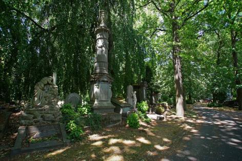De Westerbegraafplaats is met de vele graven van illustere Gentenaars en UGent'ers een belangrijke herinneringsplaats voor de Stad Gent en de Universiteit Gent (foto René Vermeir, 2018).