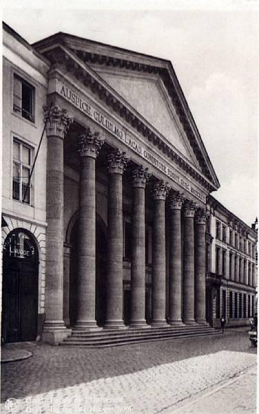 Aula in de Voldersstraat van architect Louis Roelandt, begin 20ste eeuw (Collectie Universiteitsbibliotheek, © UGent).