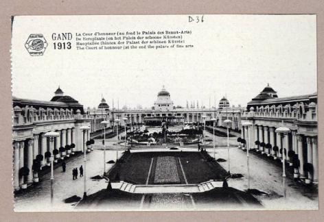 Overzicht van het terrein van de Wereldtentoonstelling in Gent in 1913 met centraal de Ereplaats en het Paleis der Schoone Kunsten (Collectie Universiteitsbibliotheek, © UGent ).