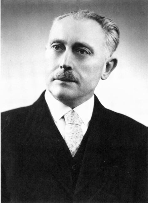 Wiskundige en expert in de infinitesimaalmeetkunde Fernand Backes (1897-1985), o