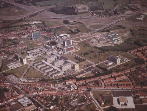 Luchtfoto van het Academisch Ziekenhuis tijdens de bouw van K12 (Collectie Universiteitsarchief Gent).