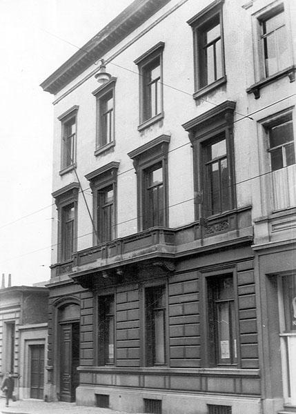 Herenhuis Soupart wordt in 1954 aangekocht om er studentenrestaurant De Brug in onder te brengen (Collectie Universiteitsarchief).