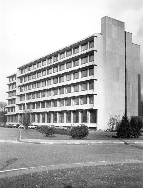 In 1969 verzelfstandigt het Hoger Instituut voor Psychologische en Pedagogische Wetenschappen tot een faculteit. In 1973 kan het haar nieuwe gebouw op de Dunantlaan betrekken (Collectie Universiteitsarchief Gent).