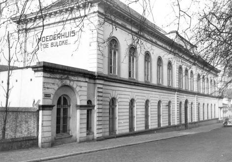 Moederhuis De Bijloke aan de Bijlokaai, voltooid in 1866 (Collectie Universiteitsarchief Gent).