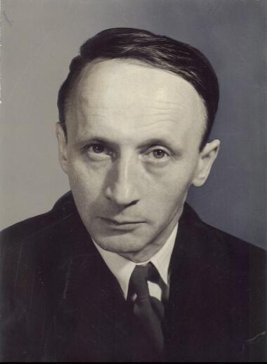 Portret van Herman Uyttersprot (1909-1967), professor aan de faculteit L&W