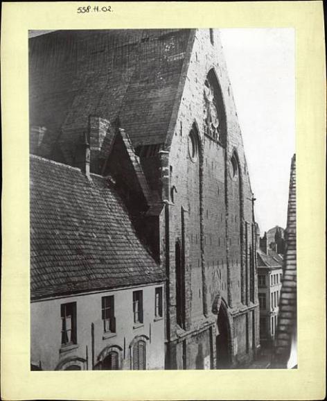 De predikherenkerk van Het Pand in Onderbergen werd in 1860 afgebroken (Collectie Universiteitsbibliotheek, © UGent - foto Charles D'Hoy).