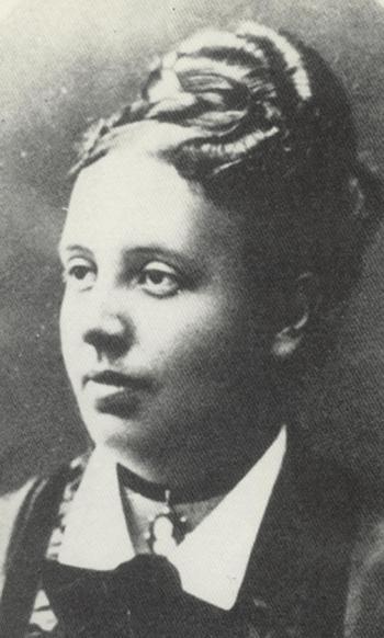 De Belgische feminste Isabelle Gatti de Gamond (1839-1905) zette zich in voor beter onderwijs voor vrouwen. Dankzij haar middelbare meisjesscholen konden de eerste vrouwen voorbereid hun universitaire studies aanvangen (Collectie RoSa, www.rosadoc.be).
