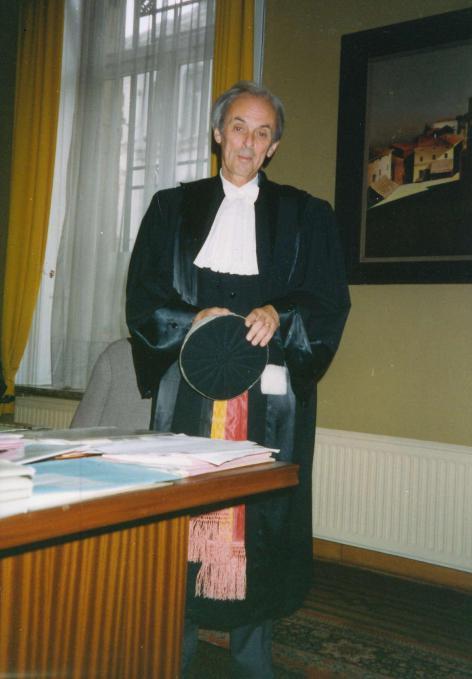 Jurist en specialist sociaal recht Jacques Petit (1927-2008) schreef enkele stan