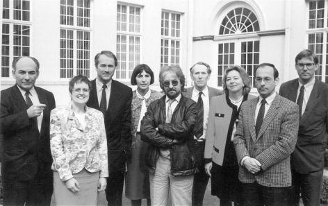 Groepsfoto van de hoogleraren van de nieuwe faculteit Politieke en Sociale Wetenschappen in 1992 (Collectie Universiteitsarchief Gent, © Willy Dee - foto Willy Dee).