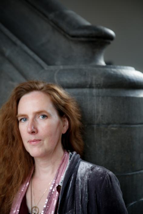 Medisch kunstenares Pascale Pollier in het Rommelaere Instituut naar aanleiding