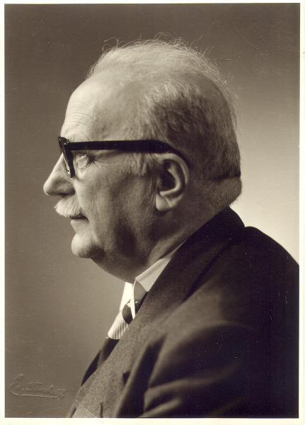 Portret van Paul van Oye (1886-1969), hoogleraar aan de Faculteit Wetenschappen