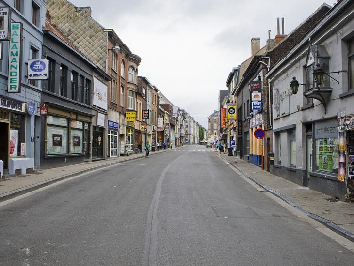 De Overpoortstraat verbindt de oude universiteitscampussen in de Voldersstraat en de Sint-Pietersnieuwstraat met de nieuwe campussen Ledeganck, Sterre en UZ (Collectie UGentMemorie, © UGent - foto Pieter Morlion).