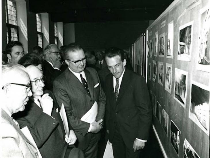 Inhuldiging van de noordervleugel van het Pand met architect Michel Bourgois (ui