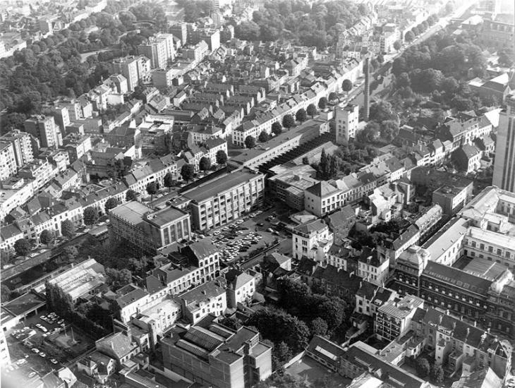 Luchtfoto van de Sint-Pietersnieuwstraat met het Technicum en een deel van het Plateaugebouw (Collectie Universiteitsarchief Gent - foto I.M.P.F.).