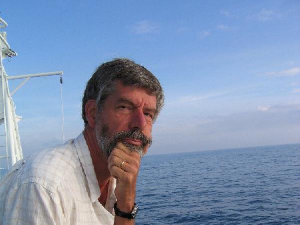 Mariene geoloog en geofysicus Jean-Pierre Henriet (1945-2017) verrichte mariene onderzoek aan de UGent en was zowel in België als internationaal een gewaardeerd wetenschapper (© Renard Centre of Marine Geology (UGent-RCMG), CC).