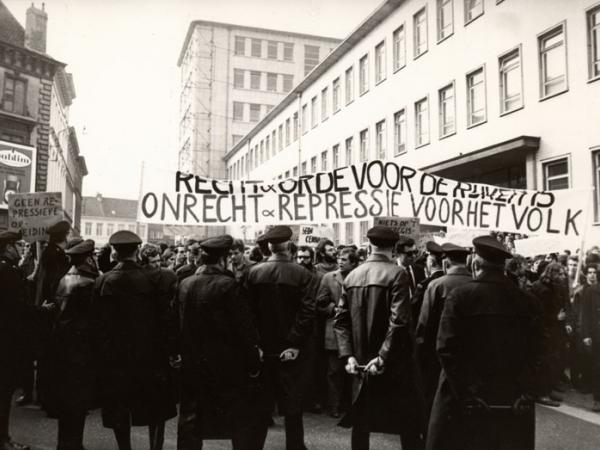 Studentenprotest in maart 1969 (Collectie Universiteitsarchief Gent - foto Renaat Willockx).