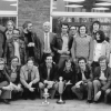 Maurice Verzele (midden, rechtopstaand), chemicus, hopspecialist en bezieler van de universitaire voetbalploeg Organolab, viert medio jaren '80 de eenmalige titel van de voetbalcompetitie van de RUG (foto uit privé-archief Denis De Keukeleire).