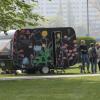 Een babbelbox reed in 2017 rond in de Gentse straten om burgers te bevragen over hoe zij de maatschappelijke rol van de UGent in de toekomst precies zien. Op basis van de resultaten opent 'University for You' op 21 december het debat (© UGent).