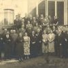 Reünie van ex-Gandavenses in 1937. Vooraan in het midden met geheven arm Willem De Vreese, oud-hoofdbibliothecaris van de Rijksuniversiteit Gent en activist tijdens WO I (Collectie Universiteitsbibliotheek Gent).