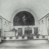 Architect August Desmet hanteert in zijn beginjaren vooral de traditioneel-landelijke stijl, zoals hier voor de Karmelietenkapel te Luithagen uit 1919 (uit Poulain, 'August Desmet', 1999).