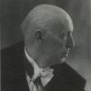 Ingenieur-architect August Desmet (1887-1964) ontwierp voor de Universiteit Gent de Veeartsenijschool aan het Casinoplein en is met CAVAZ mede-ontwerper van het Academisch Ziekenhuis (Collectie Universiteitsbibliotheek, © UGent).