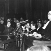 Vlaamsgezind jurist René Victor spreekt de feestrede uit op 6 mei 1960 voor het 75-jarige jubileum van de Vlaamse Conferentie bij de Balie te Antwerpen (foto door Tony Van de Broeck, uit Buyck, 'René Victor,' 1997).