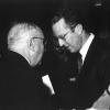 Jurist René Victor samen met koning Boudewijn, ca. 1980 (uit Buyck, 'René Victor,' 1997).