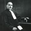 Jurist René Victor, hier in advocatentoga in 1930, speelde een grote rol in de vernederlandsing van het rechtsleven in Vlaanderen (foto uit Buyck, 'René Victor', 1997).