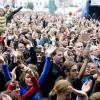 Een massa studenten geniet van het optreden van Get Ready tijdens de Student Kick-Off van 2008 (foto Pieter Morlion).