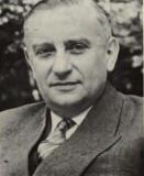 Tropisch geneeskundige Pieter Gustaaf Janssens (1910-2005) was directeur van het Instituut voor Tropische Geneeskunde (1957-1976) en was zowel betrokken bij het koloniale Ganda-Congo als het postkoloniale Gent-Butare (Uit 'Liber Memorialis' 1970).
