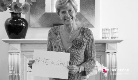 Rector Anne De Paepe steunt de #HeforShe-campagne van de Verenigde Naties (foto UGent)